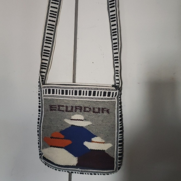 unknown Handbags - NWOT - Woven purse